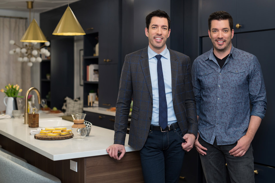 Property Brothers_Main Image_Key Art_Cineflix Rights_Drew_Jonathan Scott